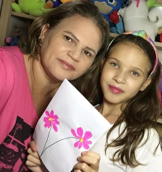 SAGRADO EM CASA: 5º ano 2 realiza homenagens especiais no Mês da Mulher