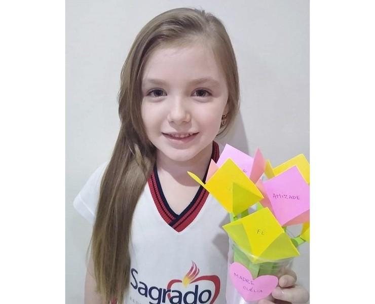 CARINHO E GRATIDÃO: educandos dos 3º anos declaram o seu amor pela Bem-Aventurada Clélia Merloni