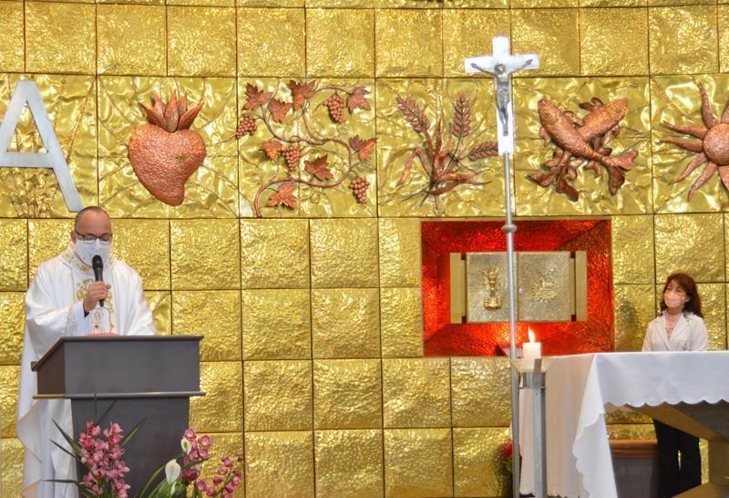 Educandos no Ensino Híbrido (presencial e remoto) participam de Missa na 1ª sexta-feira