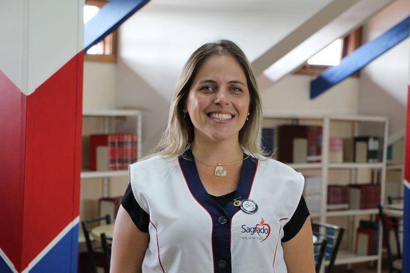 Educadora Tarcila Zanoni, do Inf. V, conclui pós-graduação em Psicopedagogia Clínica e Institucional