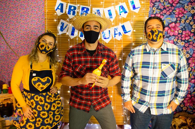 Escola São Domingos realizou Drive-Thru Julino e Arraial Virtual
